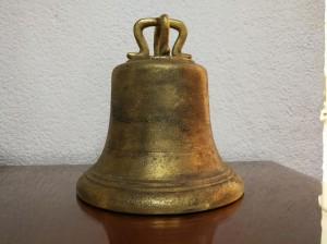 Campana de bronce para escuelas